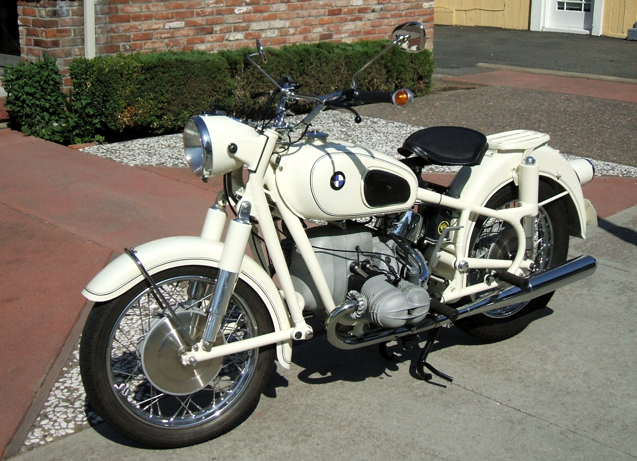 BMW Motorcycle – Lincoln Ct.